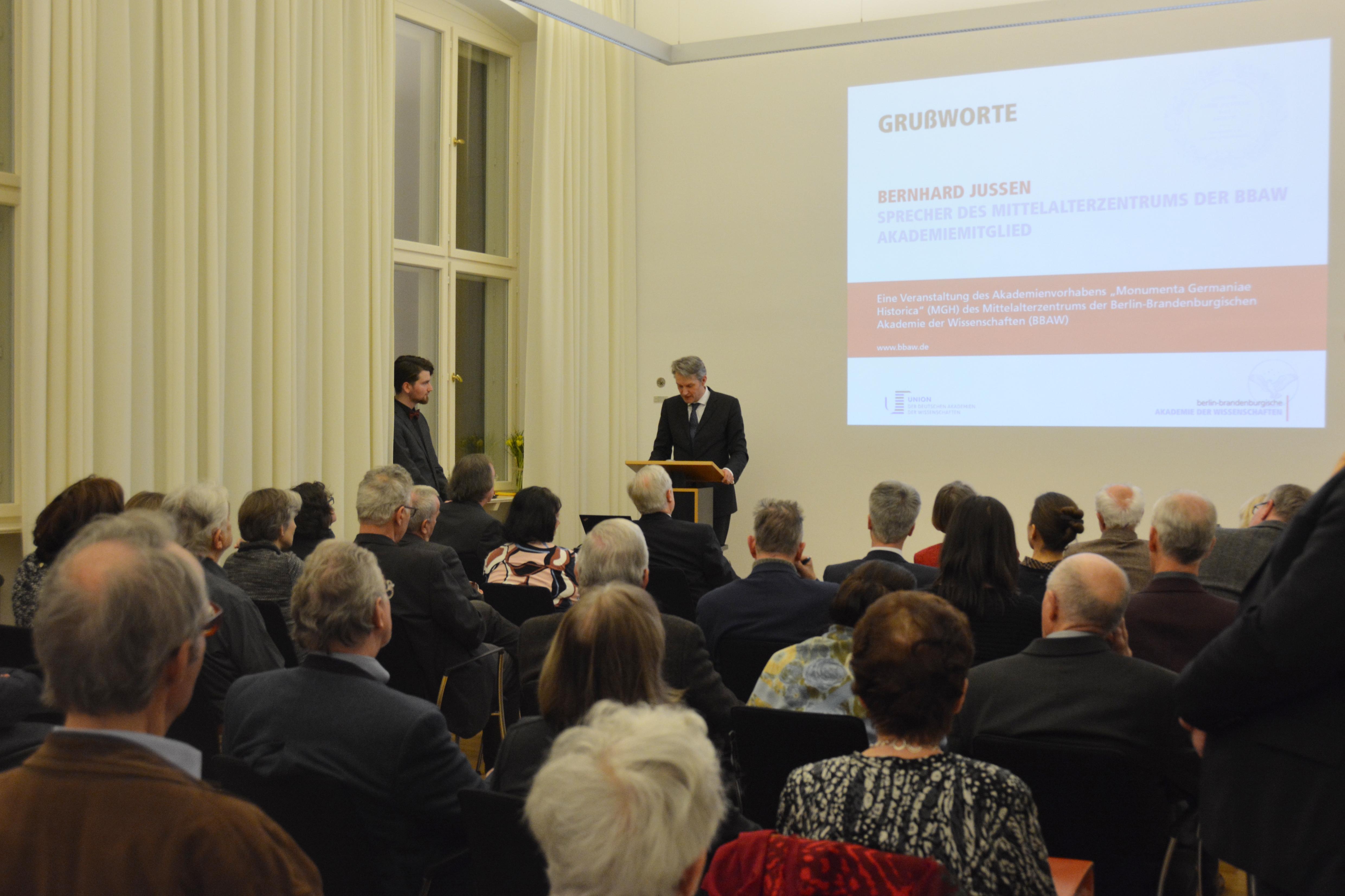 Der Vortragssaal war bis auf den letzten Platz besetzt.