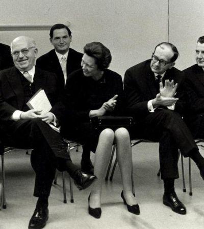 Ursula Brumm (1919–2015) im Gründungsprofessorium des John-F.-Kennedy-Instituts 1967 (v.l.n.r.): C.H. Nichols, E. Fraenkel, U. Brumm, G. Stourzh, K. Lenz. Foto: FU Berlin/Hellmuth Pollaczek